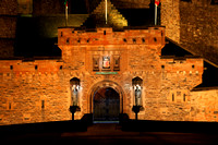 Robert the Bruce and William Wallace - Gatehouse at Edinburgh Castle IMG0001JG20171215