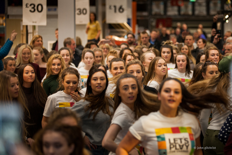 KIC Dance at IKEA, Edinburgh, flash mob dancers on 11 December 2016 - 0002