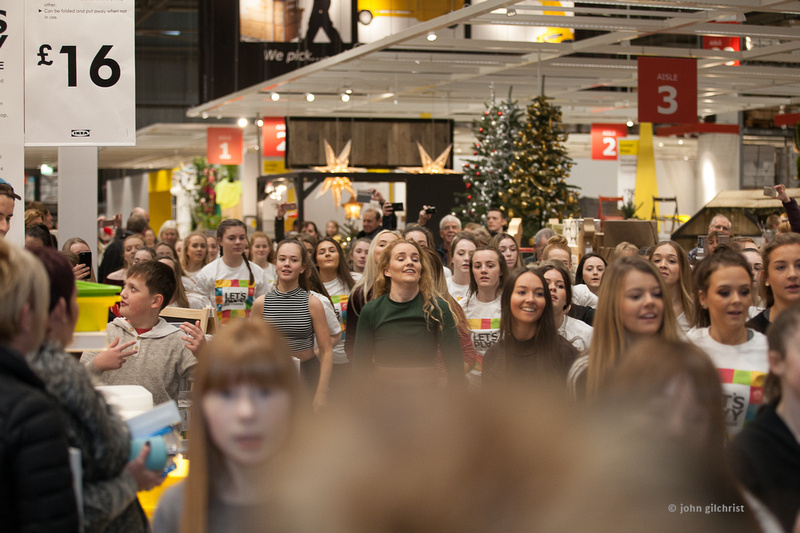 KIC Dance at IKEA, Edinburgh, flash mob dancers on 11 December 2016 - 0008