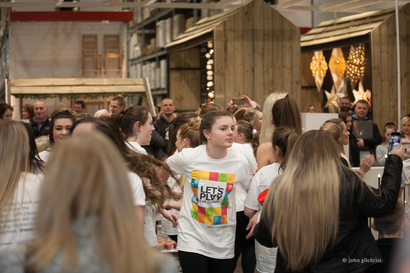 KIC Dance at IKEA, Edinburgh, flash mob dancers on 11 December 2016 - 0017