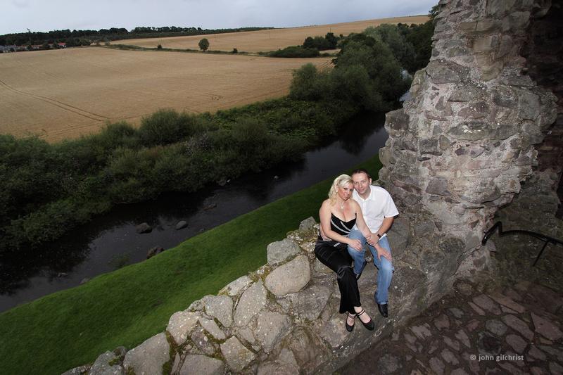 20100806-0009 Gill Colin, Hailes Castle East Lothian, e-Shoot Pre-wedding Engagement
